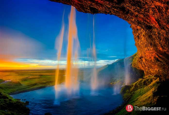 Исландия skogafoss