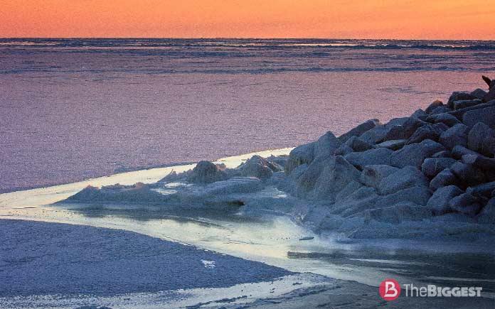 Берингово море - самое большое в России