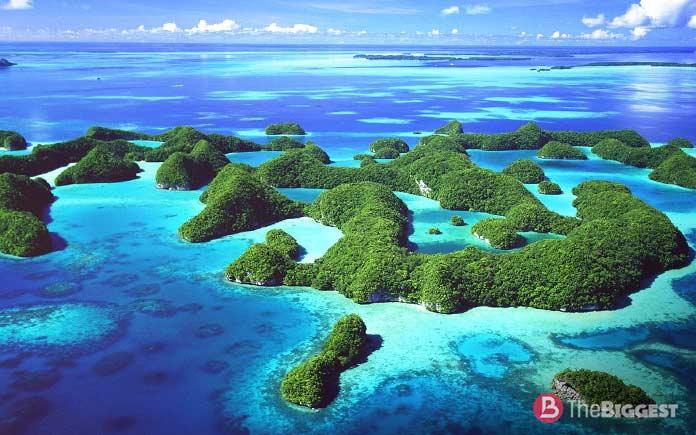 Филиппинское море - самое большое море