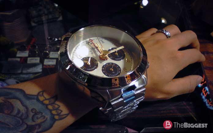 самые большие наручные часы: Musk MR2129