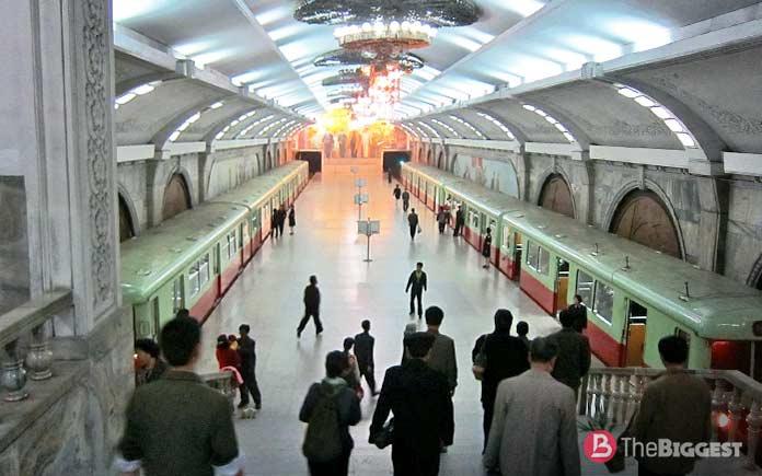 Самое глубокое метро: Пухунг станция метро
