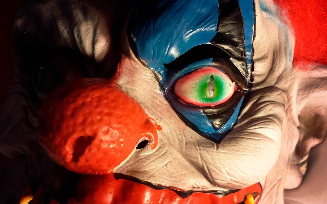 Список самых страшных фильмов ужасов