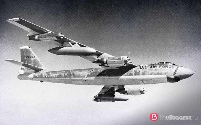 Бомбардировщик Boeing