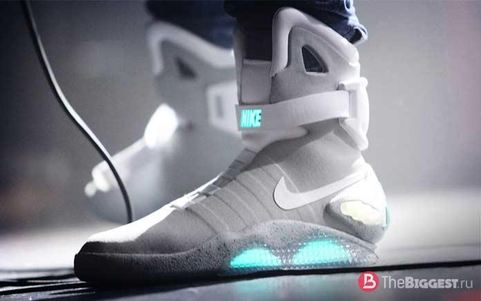 Дорогие баскетбольные кроссовки Nike Air Mag