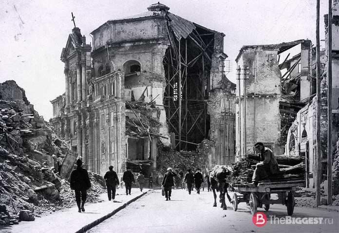 Разрушенная церковь в Мессине