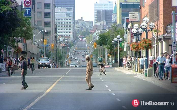 Самые длинные улицы мира: Yonge St, Ontario