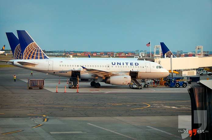 United Airlines. CC0