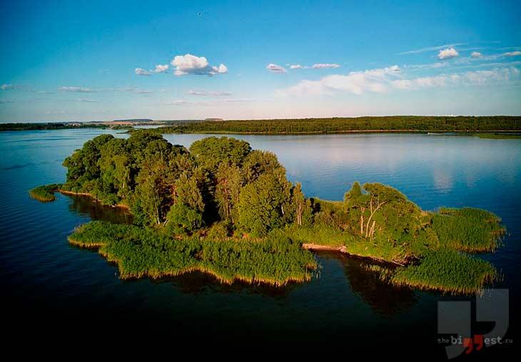 Остров на Заславском водохранилище