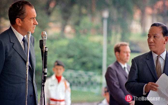 Никсон во Въетнаме