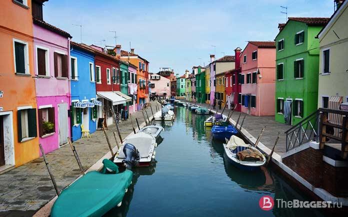 Остров Бурано, Италия - одно из самых красочных мест Европы