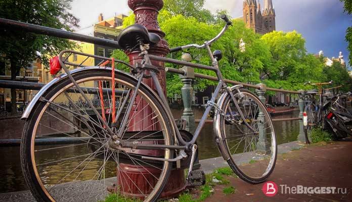 Амстердам - один из прекрасных городов, которые вы должны увидеть в Нидерландах
