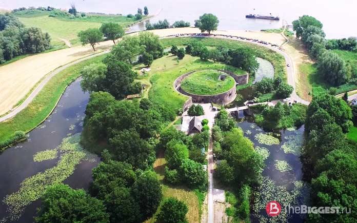 Новая голландская водная линия - одно из мест, которые Вы должны увидеть в Нидерландах