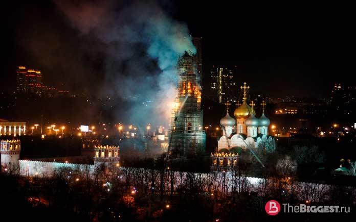 Монастыри, которые пострадали от пожаров. Колокольня Новодевичьего монастыря