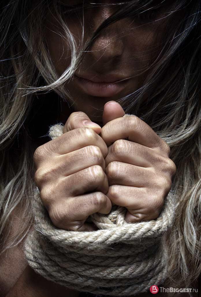 Девушка в тюрьме. CC0