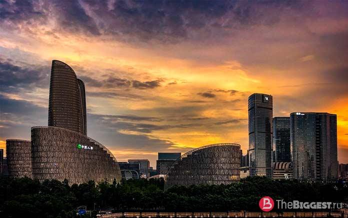 Чэнду - один из самых богатых городов Китая. СС0