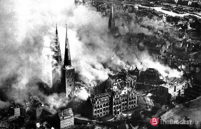 Бомбардировка Любека