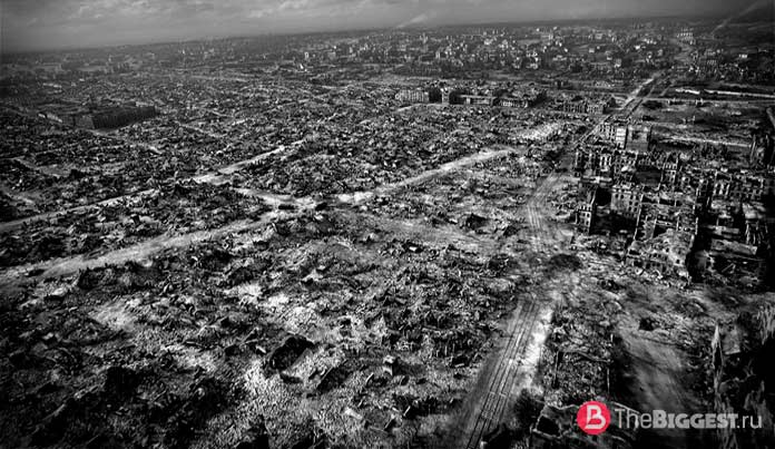 Города, сильно разрушенные войной: Варшава в развалинах