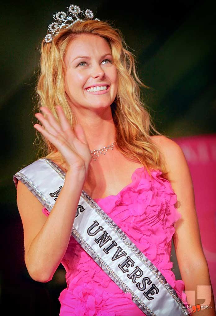 Дженнифер Хоукинс - победительница конкурса Мисс Вселенная в 2004 году