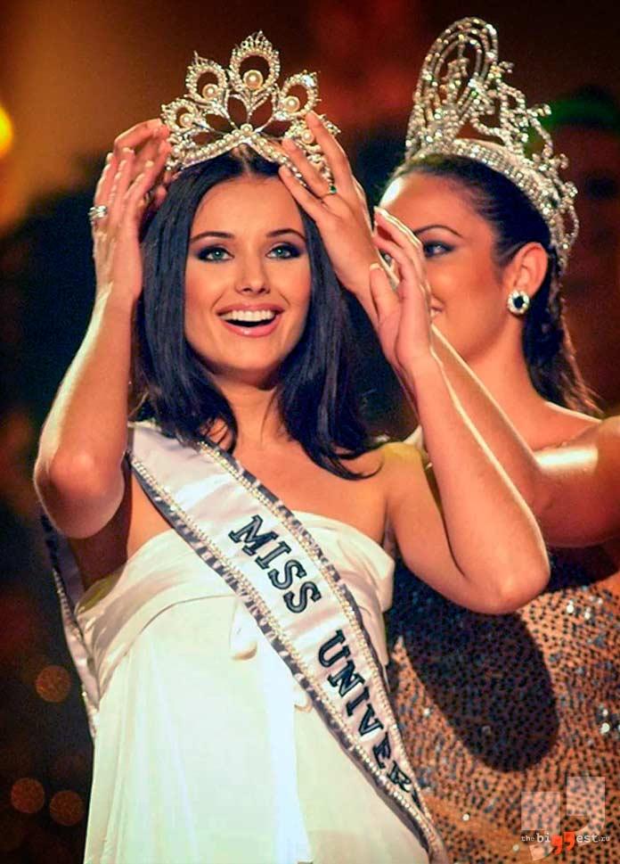 Оксана Фёдорова - победительница конкурса Мисс Вселенная в 2002 году