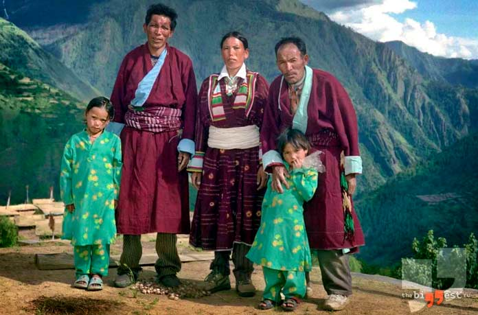 Тибетская семья, где разрешено многомужество