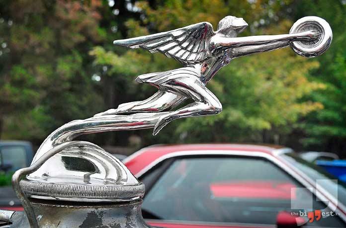 Автомобильные логотипы с персонажами: Packard