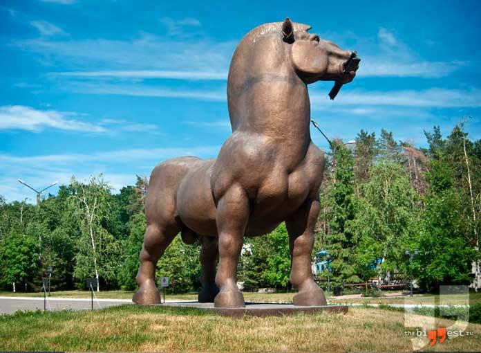 Памятники животным: Конь Ярыж