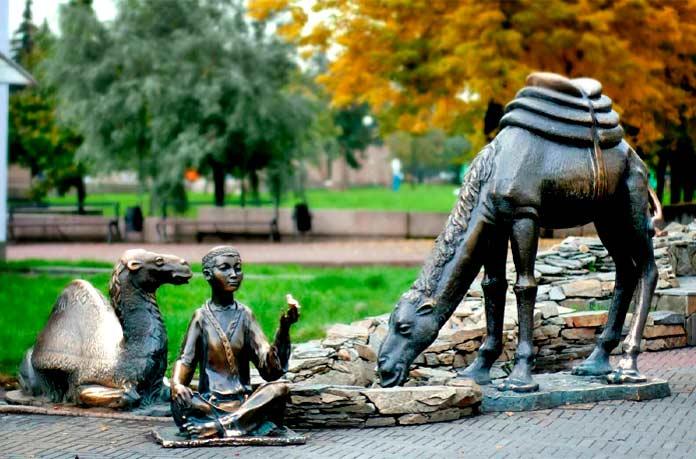 Памятник верблюдам челябинск