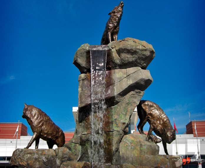 Памятники животным: Волчья стая