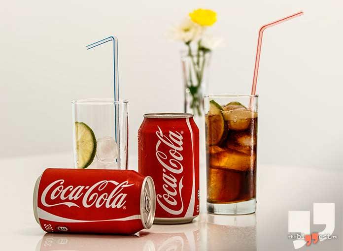 безалкогольные напитки: Coca Cola Classic.cc0