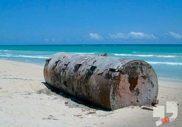 Бочка на берегу Сомали