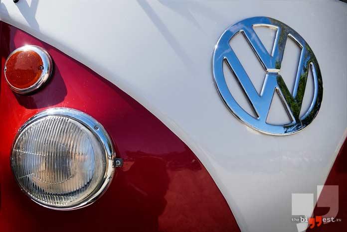 Volkswagen AG - одна из самых богатых автомобильных компаний. CC0