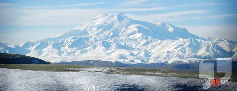 Высочайшая вершина России - гора Эльбрус. CC0